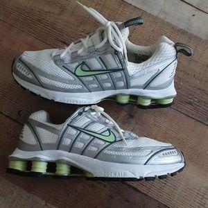Nike Shox 2:40 Running Shoes Size 9.5 GUC
